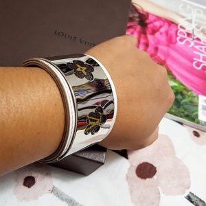 Jewelry - Classy Cuff